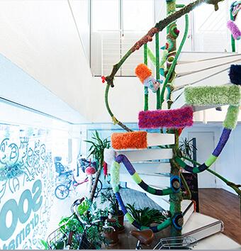 エンドルフィンズオフィス螺旋階段